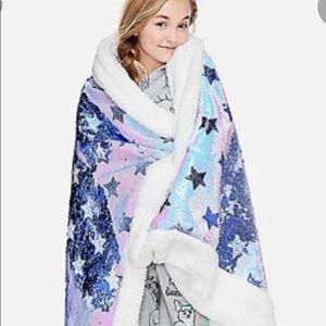 Justice Reversible Sequin Blanket   NWT